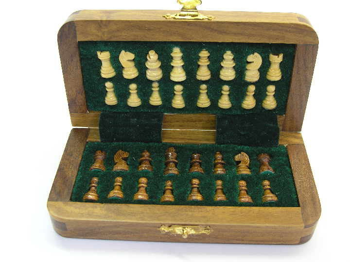Compact Magnetic Travel Chess Set 0 1278 426100