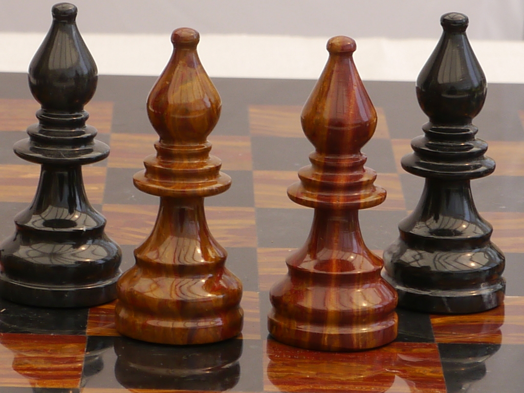 Red And Black Marble Chess Set With Marble Board 0 1278