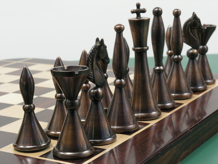 The Sebastian In Heavy Steel And Copper Chess Set 0